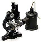 "Leitz 1934 Binocular Microscope with ""Lucifer"" lamp"